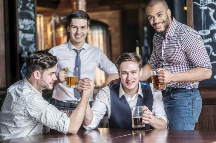 men-on-a-night-out-istock_000051480652_medium-1024x682