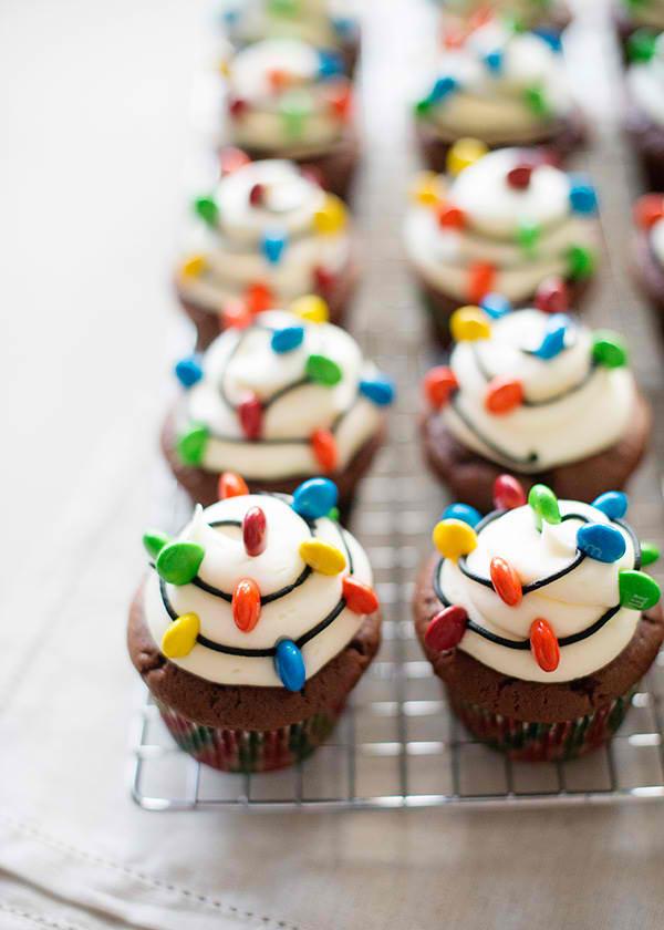 christmas-light-cupcakes01